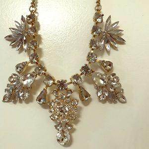Jewelry - Statement necklace - Vintage rhinestones w/gold✨